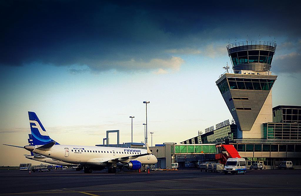 как добраться из аэропорта Хельсинки-Вантаа до СПб